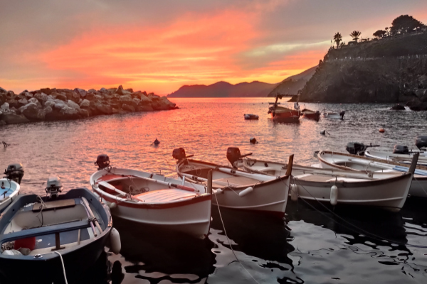 le coucher du soleil Manarola